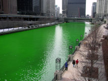 215px-chicago_river_dyed_green_focus_on_river.jpg