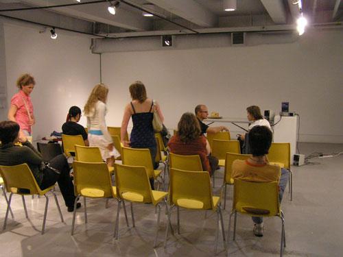 http://www.ministryofart.se/blog/wp-content/uploads/2007/08/p6291034-presentation-crowd.jpg